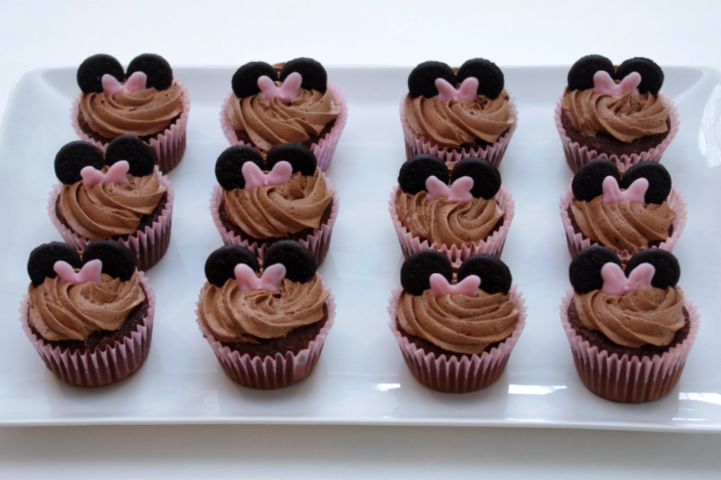 Chocolate Minnie Mouse Cupcakes Fun And Functional Blog